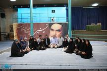 بازدید جمعی از شیعیان کشور تایلند از بیت امام خمینی (س) در جماران