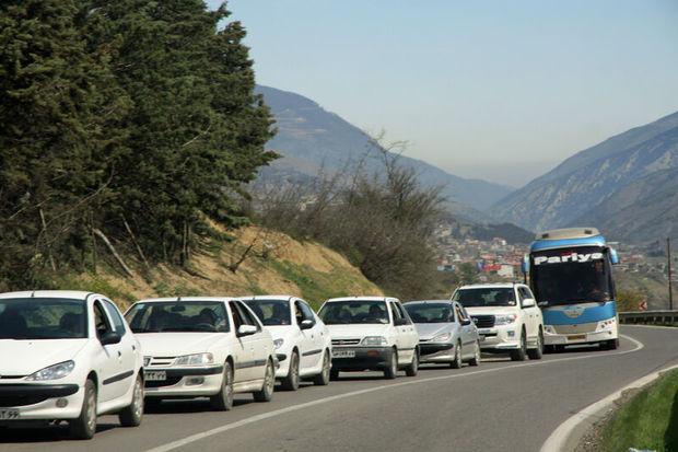 ترافیک جادههای کندوان و هراز نیمه سنگین است