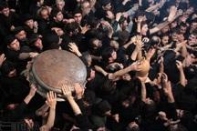 آئین سنتی تشت گذاری در مساجد آستارا برگزار شد