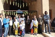 50 گردشگر خارجی از دهکده جهانی خرانق دیدن کردند