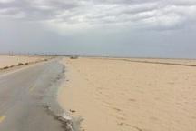 آبگرفتگی جاده ساحلی گناوه به بوشهر را مسدود کرد