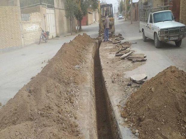 عملیات اصلاح شبکه آب شرب شهر فرادنبه آغاز شد