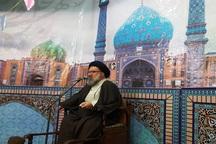 دشمن دنبال القای سبگ زندگی غربی به جامعه اسلامی است