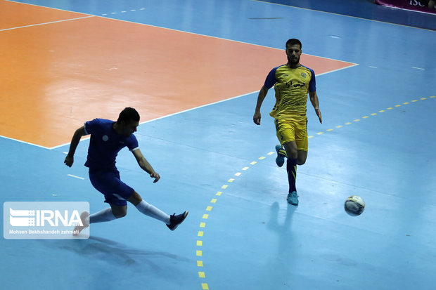 تیم فوتسال فرش آرای مشهد شاهین شهر اصفهان را شکست داد