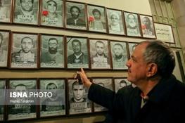 رهبر انقلاب و آیتالله هاشمی در دوران زندان+ عکس