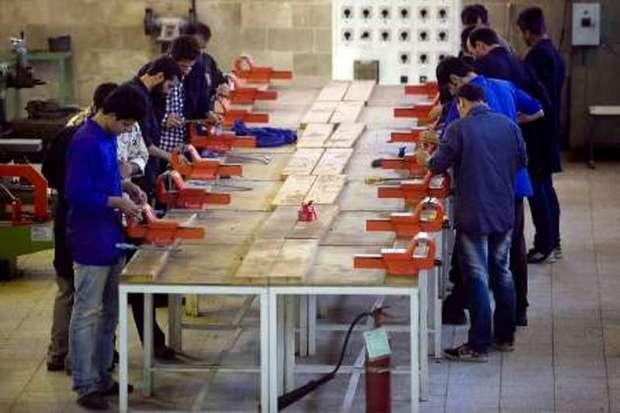 طلاب آذربایجان غربی آموزش مهارتی دریافت می کنند