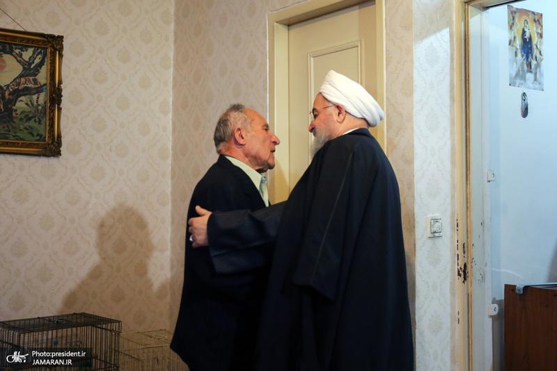 رئیس جمهور در دیدار خانواده شهید ارمنی آلفرد گبری