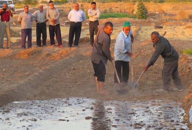 آیین سنتی ' آب به بذر شلغم' در خور و بیابانک