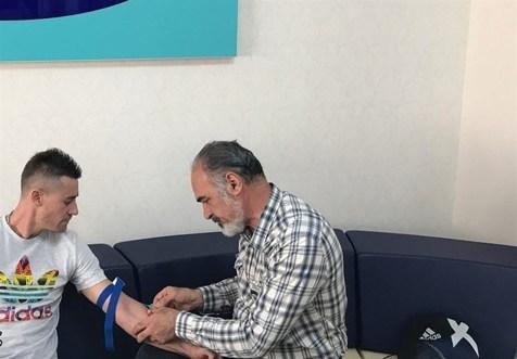جپاروف در تست پزشکی حاضر شد+ عکس