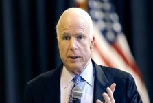 وال استریت ژورنال :مک کین بطور پنهانی به سوریه رفته بود