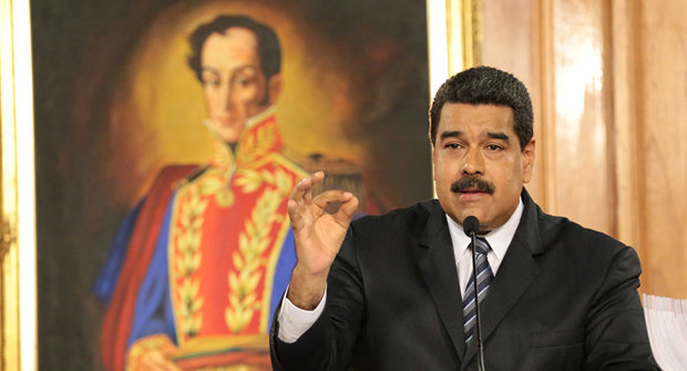 سناتور آمریکایی سعودی ها را به حمایت از مادورو متهم کرد
