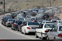 ترافیک در آزادراه تهران-کرج سنگین است  بارش برف و باران در استان کشور