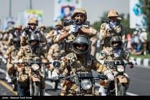 مراسم رژه نیروهای مسلح در کرمان برگزار شد