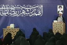 فعالان قرآنی باید در خط مقدم مبارزه با ستمگران باشند