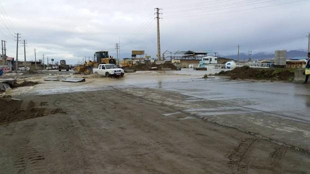 جاده قدیم هشتگرد براثر طغیان رودخانه کردان مسدود شد