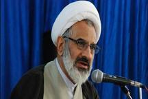 هدف دشمن نابودی انقلاب اسلامی است