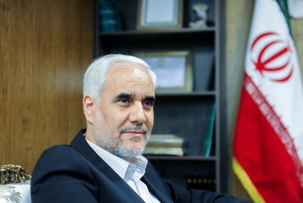 استاندار اصفهان بر اقامه نماز در ادارات تاکید کرد