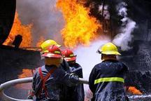 آتش سوزی در یک انبار 3 هزار متری لاستیک ضایعاتی در میدان شوش