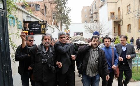 مراسم تشییع پیکر کارگردان و تهیهکننده باسابقه سینمای ایران+ تصاویر