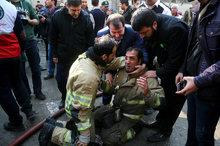 شهردار تهران: 20 نفر از  آتشنشان در راه نجات مردم به شهادت رسیدند/ سخنگوی سازمان آتش نشانی: هنوز نمی توان شهادت این افراد را تائید کرد/ رئیس پلیس پایتخت: هیچ گونه موضوع امنیتی در مورد این حادثه وجود نداشته/ استقرار عوامل تشخیص هویت آگاهی/ برق منطقه وصل ش