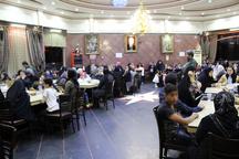 250 یتیم مهمان سفره افطار نیکوکار گیلانی شدند