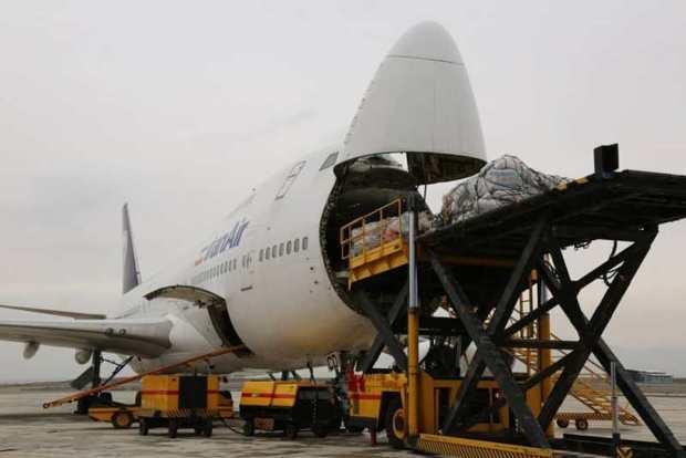 انتقال کمک های مردمی در فرودگاه پیام البرز سرعت گرفت