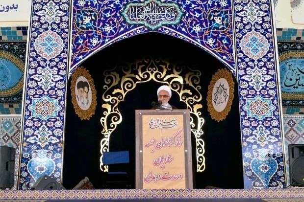 ایران در مسایل بینالمللی زیر بار زور نمیرود