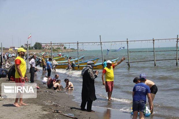 نجات ۱۱۲ نفر از غرق شدن در آبهای ساحل آستارا