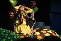 لباس های رنگارنگ از لاهیجان به جشنواره همدان راه یافت