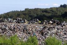 ریختن زباله در طبیعت خطر زیست محیطی به همراه دارد