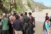 مسئولان جوانرود به یاری روستاهای سیل زده مرزی شتافتند