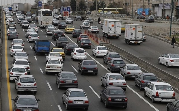 ترافیک در راه های البرز سنگین است