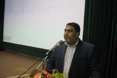 فرماندار خمین:حضور رای اولی ها در انتخابات، نشان از مشارکت اجتماعی و مسئولیت پذیری است