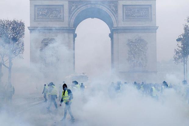 «شنبه سیاه» پاریس+ تصاویر