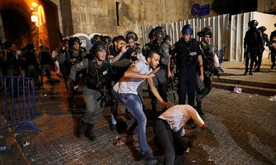 عکس/ سرکوب نمازگزاران فلسطینی