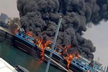 مهار آتشسوزی پنج فروند شناور باری در بندر نخل تقی