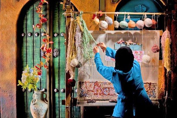 1000 متر انواع زیرانداز سنتی در خمین تولید شد