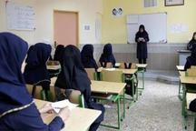 یک هزار معلم ایوانی آماده آموزش به دانش آموزان هستند
