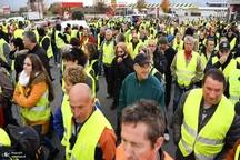 «جلیقه زردها» خیابان ها را بستند/ کشته شدن یک معترض+ تصاویر