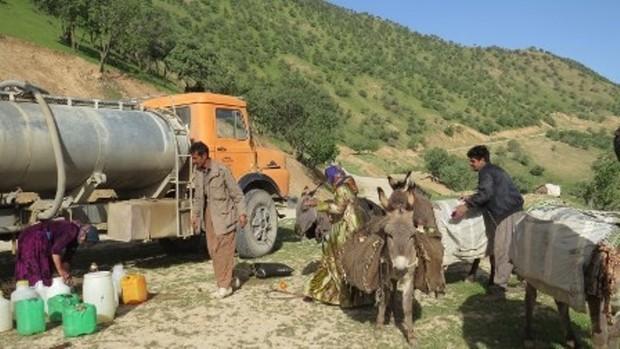 روزانه600 مترمکعب آب شرب بین عشایر شمال کرمان توزیع می شود