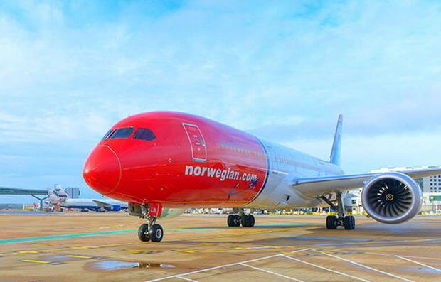 هواپیمای نروژ در فرودگاه شیراز در دست تعمیر است