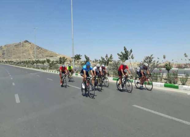 مسابقات دوچرخه سواری جاده در مشهد برگزار شد