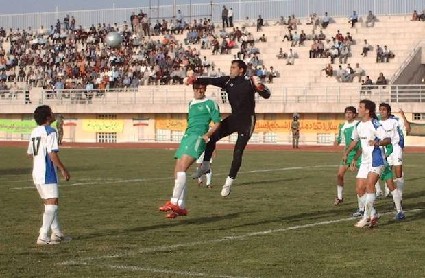 فوتبال یزد به جای پول ریشه می خواهد