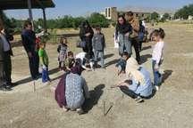 کودکان در معبد آناهیتا کنگاور باستان شناس شدند