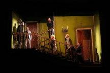 تعطیلی نمایشها و اجرای تعزیه در پردیس تئاتر تهران همزمان با شبهای قدر
