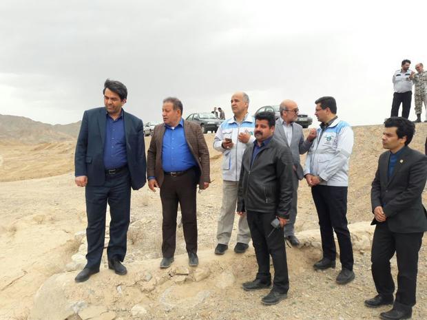 تأکید استاندار یزد بر جلوگیری از تخلیه نخاله پشت سیل بندها