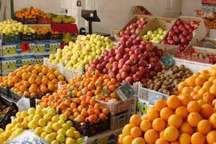 توزیع 150 تن میوه و کالاهای اساسی  شب عید در تکاب