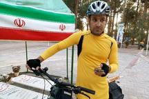 دوچرخه سوار پیام آور صلح ایرانیان به همدان رسید