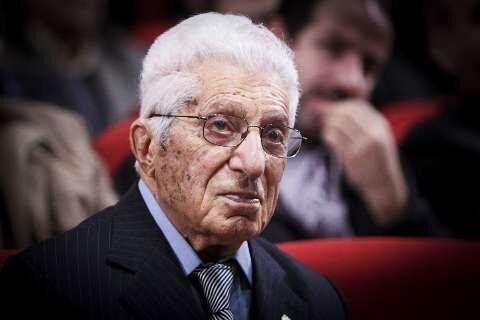 پروفسور رضا تحولی عظیم در سیستم آموزشی کشور ایجاد کرد