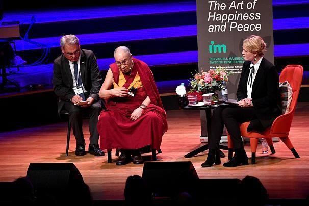 سخنان جنجالی دالایی لاما علیه پناهندگان در اروپا